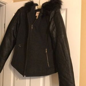 NWOT Forever 21  L Women's Wool / Leather Coat ⭐️